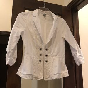 White peplum blazer w/ lace detail, pewter buttons